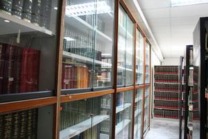 Library 095 b.jpg