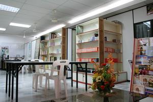 Library 092 b.jpg